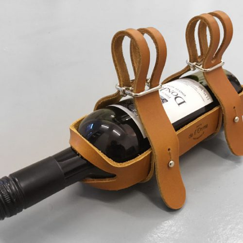 wijnfles houder leer, wijnrek fiets, wijn op fiets, wijnfles houder op de fiets, wijnhouder, leer, lederen wijnhouder, wijnfles in leer, kerstmis kandelaar, koperbuis vaas, koperen, koperbuis kandelaar