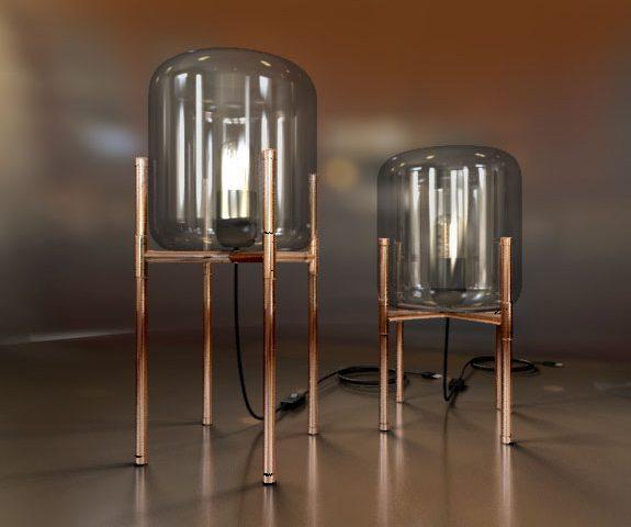 Koperen staande lamp met glazen kap